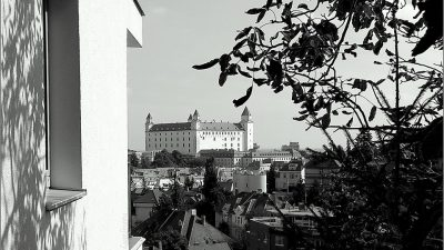 Bratislava_hrad-cb.jpg