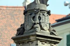 Mestský znak pod Rolandom.