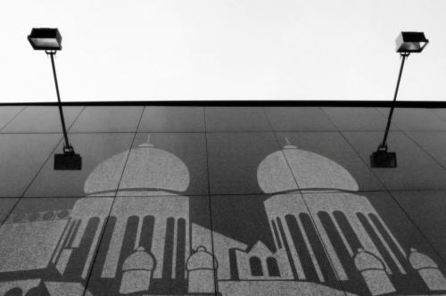 Bratislavska sedma styridsiata deviata - Pod lampou najvacsia tma